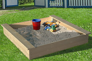 Sandbox 120x120cm with cover