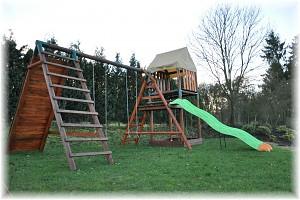 LoggyLand - Spielturm Woody mit Rutsche